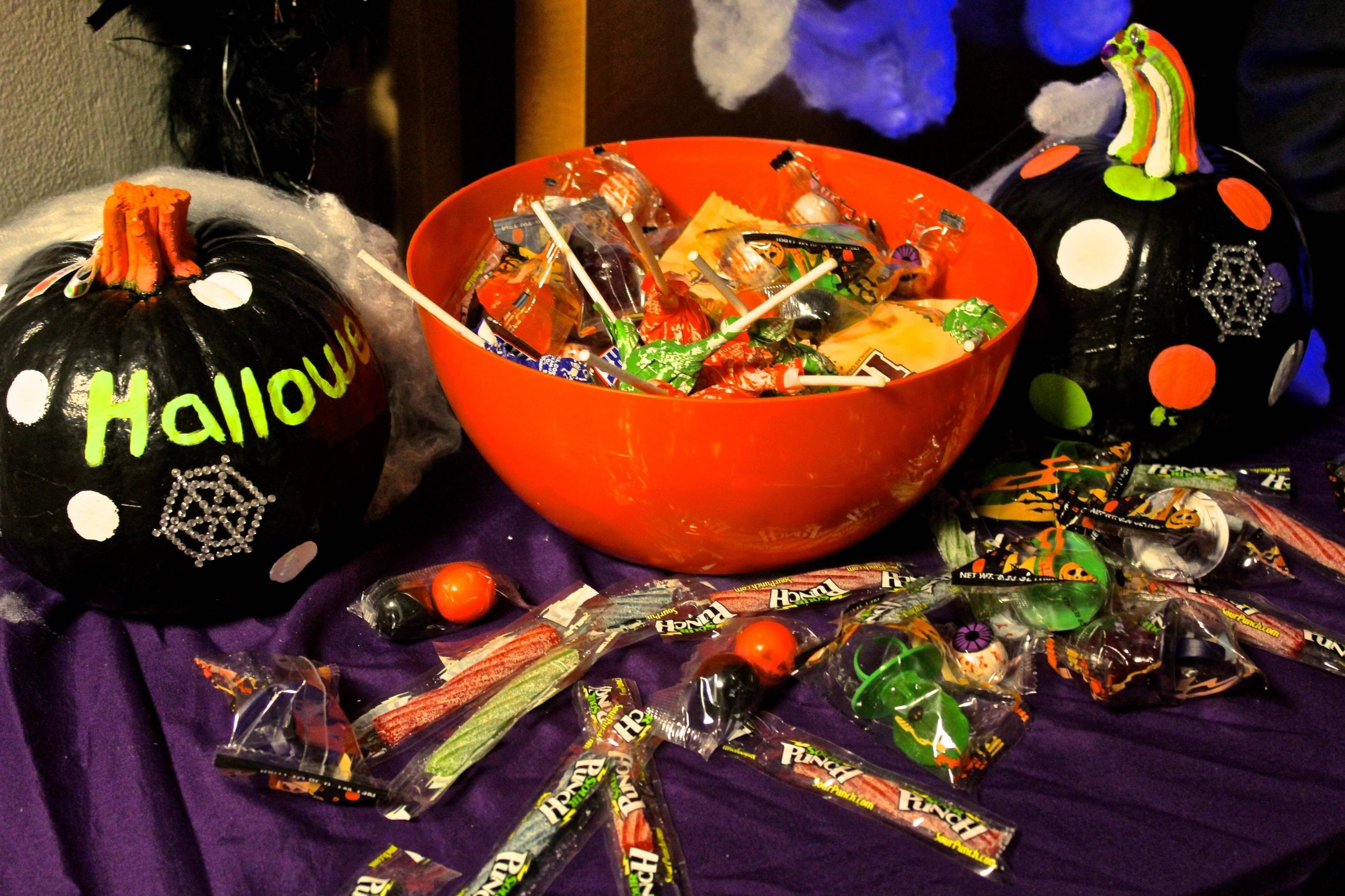 Halloween in the Halls: Safe Trick-or-Treat
